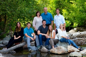 Big cottonwood canyon is a great place to take family Reunion Pictures